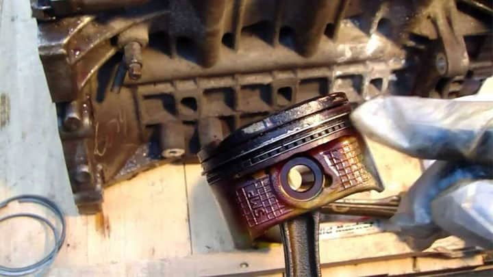 Lawnmower Engine Problems and Symptoms - Bad piston rings
