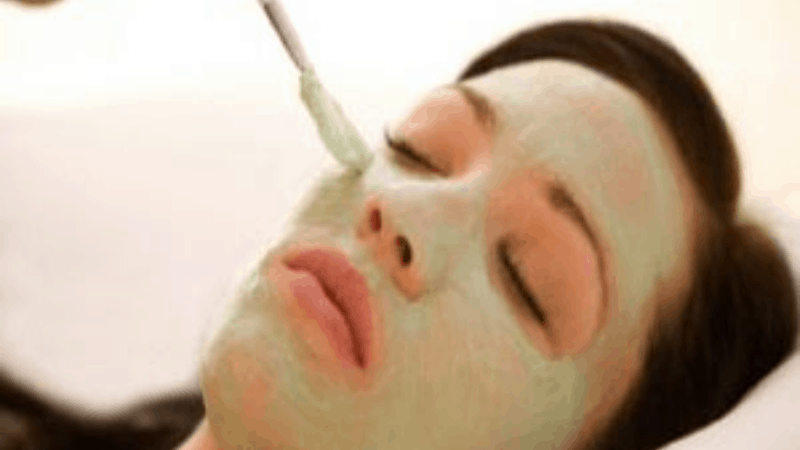 How to Apply Aloe Vera on face to get rid of Acne