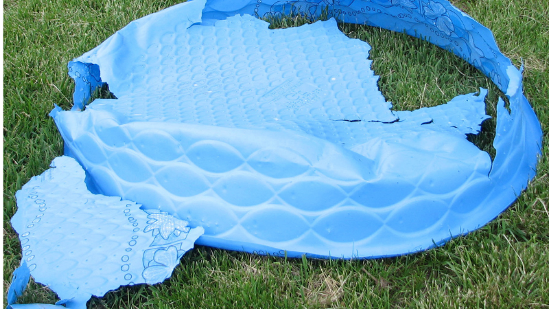 How to maintain a kiddie pool?