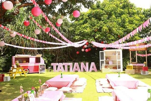 Theme based birthday party design for a small lawn