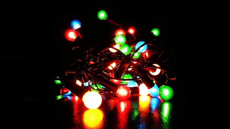 Best colorful string lights to decorate outdoor lawn
