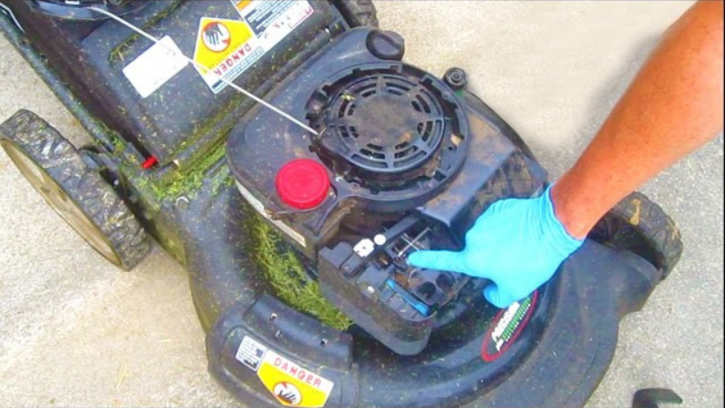 Why My Lawn Mower Stops Running After A While - Lawn Mower Choking Issue