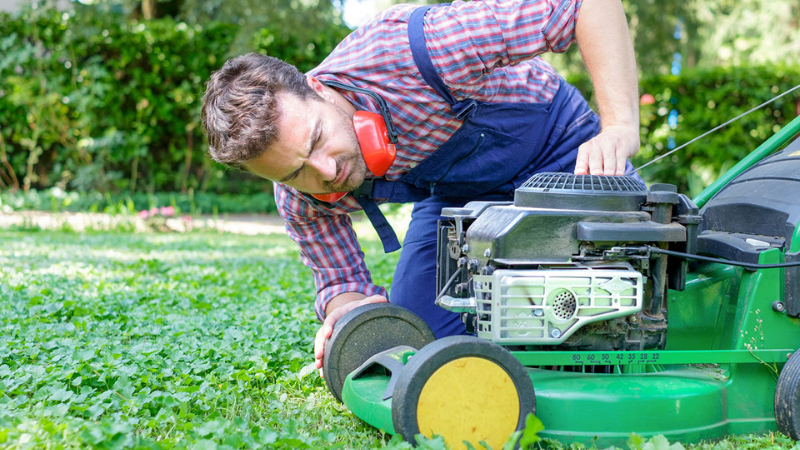 Why My Lawn Mower Stops Running After A While - Mower Blockage Issue