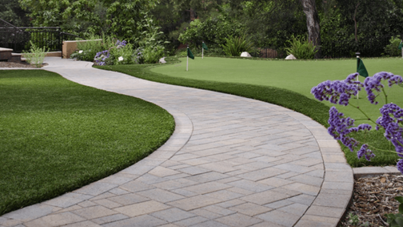 Spray The weed killer on Driveways And Pathways