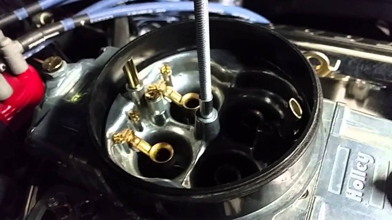Why Is Gas Coming Out Of My Carburetor - Get Your Carburetor Float Unstuck